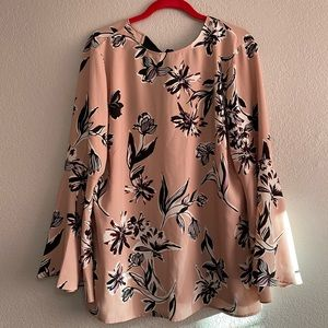 NWT Halogen floral bell sleeve top